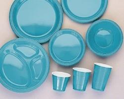 Плюсы пластиковой посуды