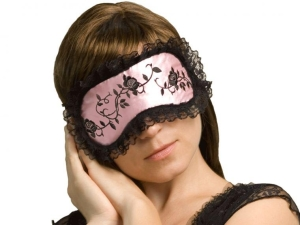 Зачем нужна маска для сна