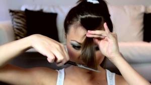 Стричь волосы самому себе нельзя