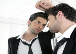 Как вести себя с мужчиной нарциссом в отношениях